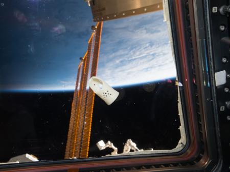 The 3D printed mallet finger splint. Photo via NASA.