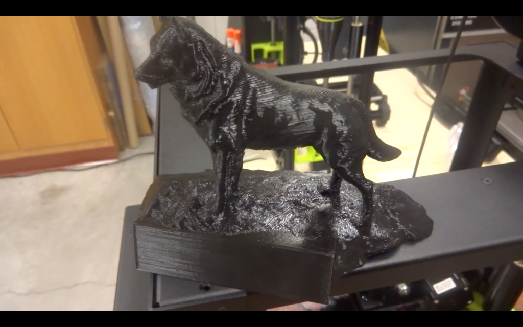 A replica Husky statue by Brian Hanlon of Hanlon Sculpture Studio, 3D printed by Peterson for the study. Screenshot via Michigan Technological University on YouTube