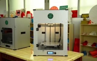 The Cooper 3D printer (L). Image via Winbo.