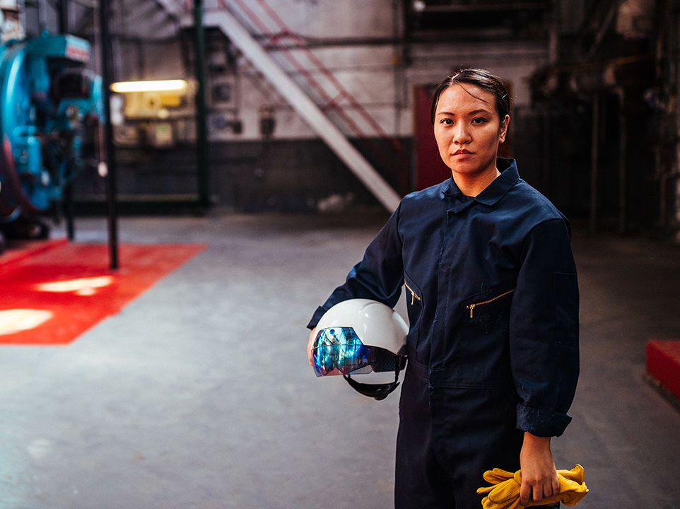 The DAQRI Smart Helmet for use in industry. Photo via DAQRI