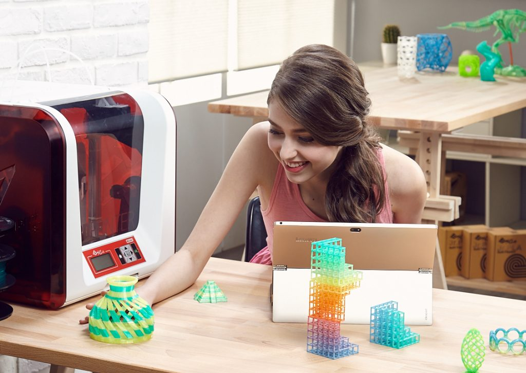 A selection of Colorful 3D prints from the da Vinci Jr. 2.0 Mix