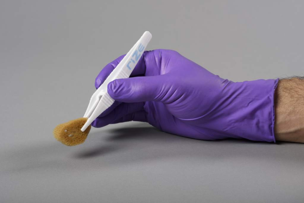 Ideal for medical device fabrication. APD 3D printed tweezers. Photo via Rize Inc.