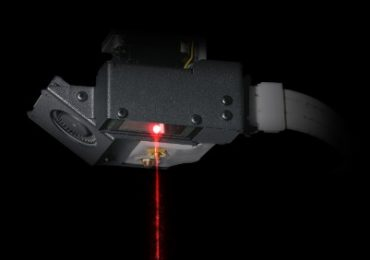 Laser in the head of the Mark X 3D printer used for Adaptive Bed Leveling. Image via Markforged