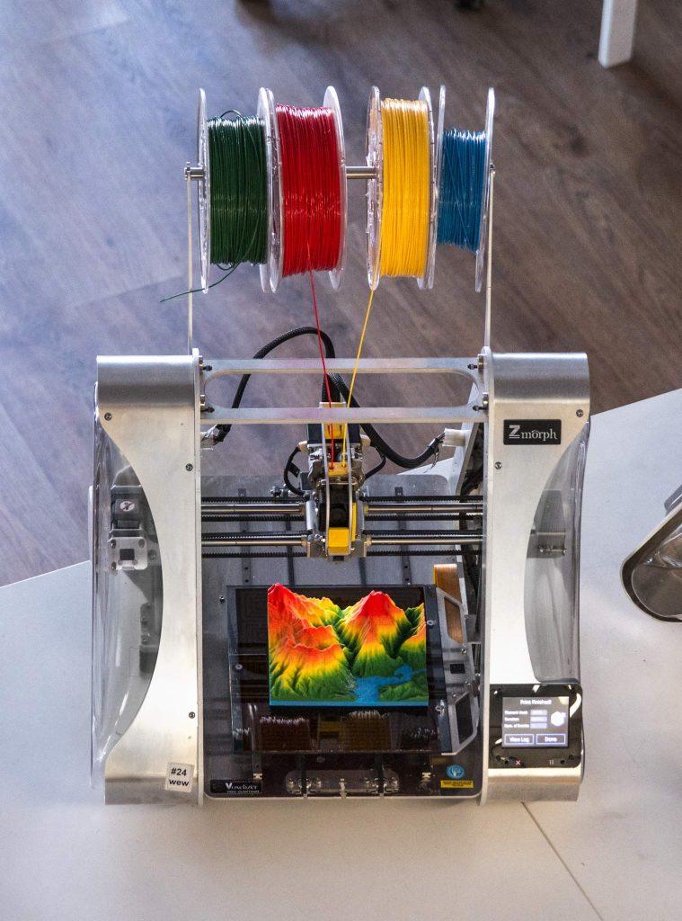 ZMorph 4 material printing. Photo via Zmorph.