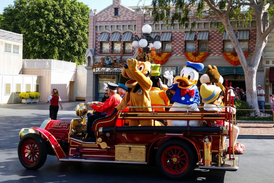 Character mascots on Main Street Disneyland. Photo by Anna Fox, harshlight on Flickr
