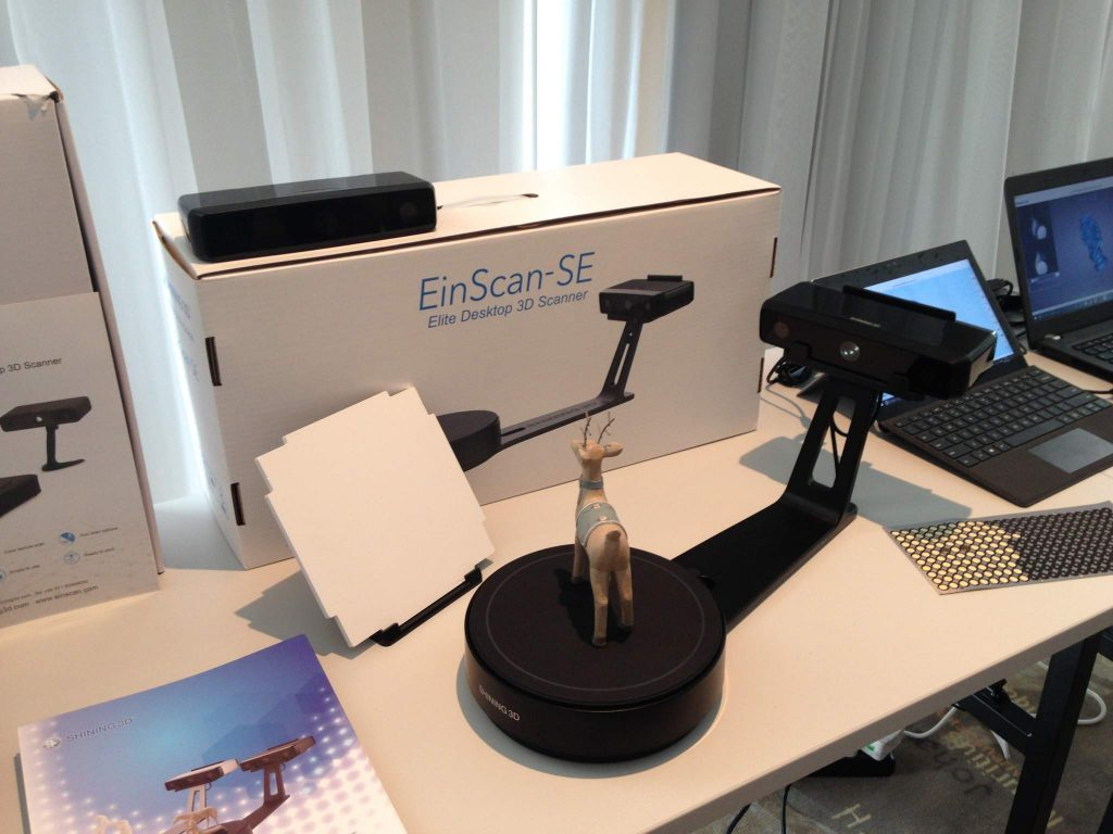 The EinScan-SE model. Photo by Beau Jackson for 3D Printing Industry