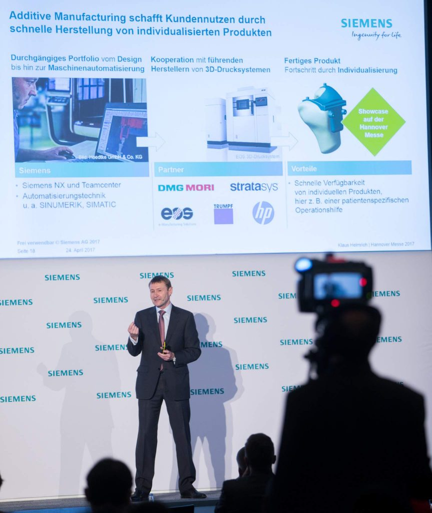 """With our software portfolio we are the only supplier capable of offering the digital twin across the entire value chain – for products, for production and complete plants,"" says Klaus Helmrich, Member of the Managing Board of Siemens AG."