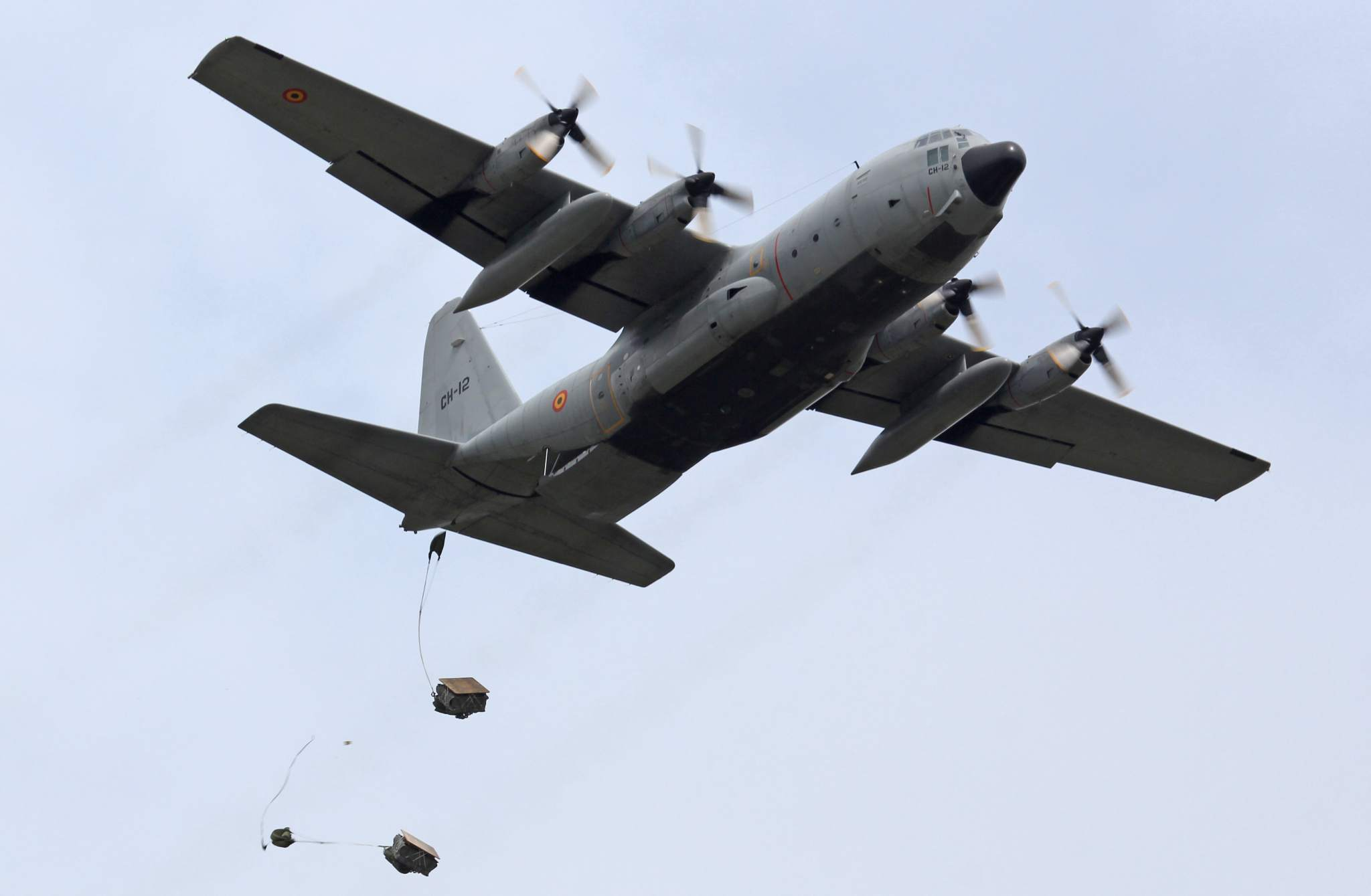 An air drop during the EATT14 training course. Photo via European Defence Agency on Flickr.