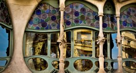 One of the windows of Casa Milà designed by Catalan architect Antoni Gaudí. Photo by Hernán Piñera, hernanpc on Flickr