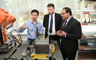 Mr Matthew Waterhouse, (centre) and Mr S Iswaran Minister of Trade and Industry (right), at the opening. Photo via 3D Metalforge.
