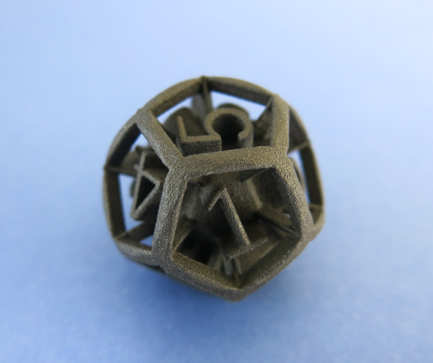 An object 3D printed in CarbonMide. Photo via Sculpteo.