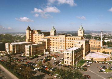 Hôpital du Saint-Sacrement, part of the CHU of Québec-Université Laval network of hospitals. Photo via amedicalweb