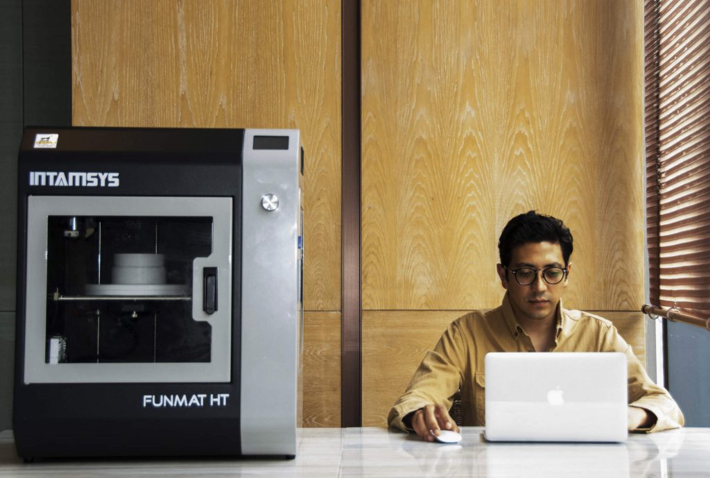 The INTAMSYS FUNMAT HT 3D printer. Photo via INTAMSYS