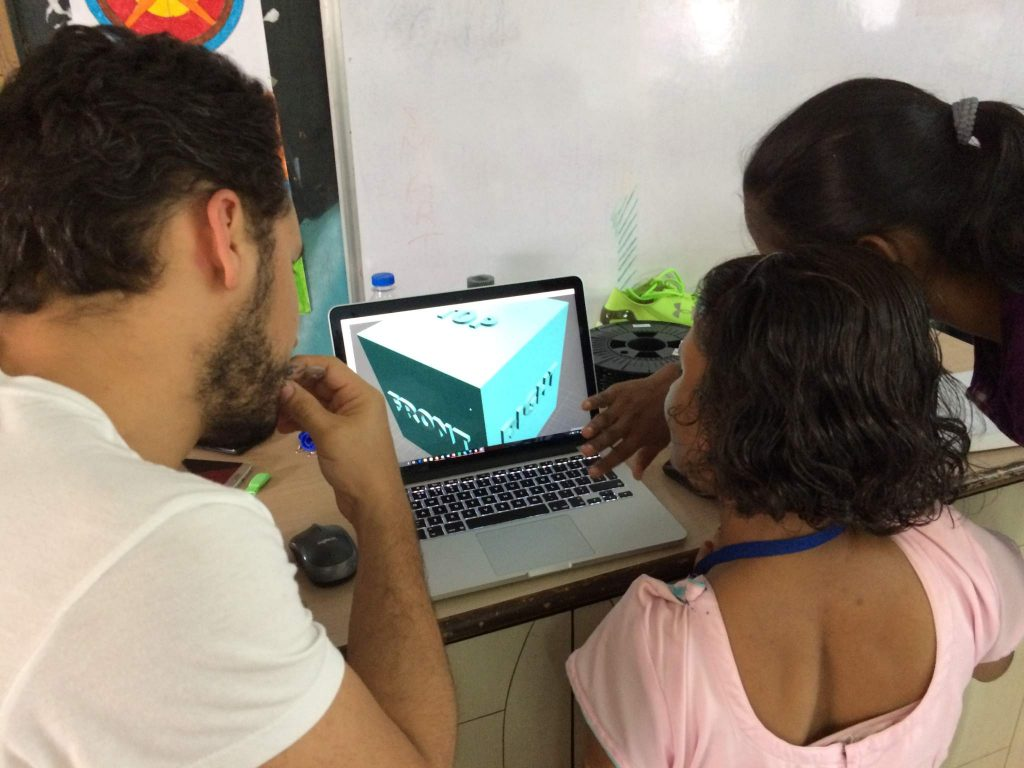 CAD training in a PrintLab/Free_D course. Photo via PrintLab