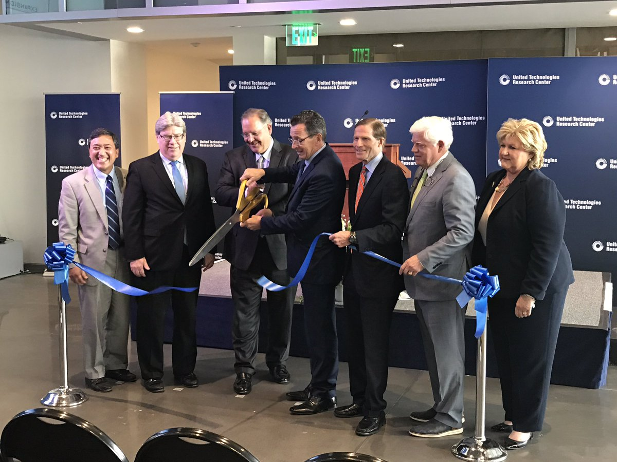 The opening ceremony of the UTRC facility including Governor Dannel P. Malloy. Photo via UTC.