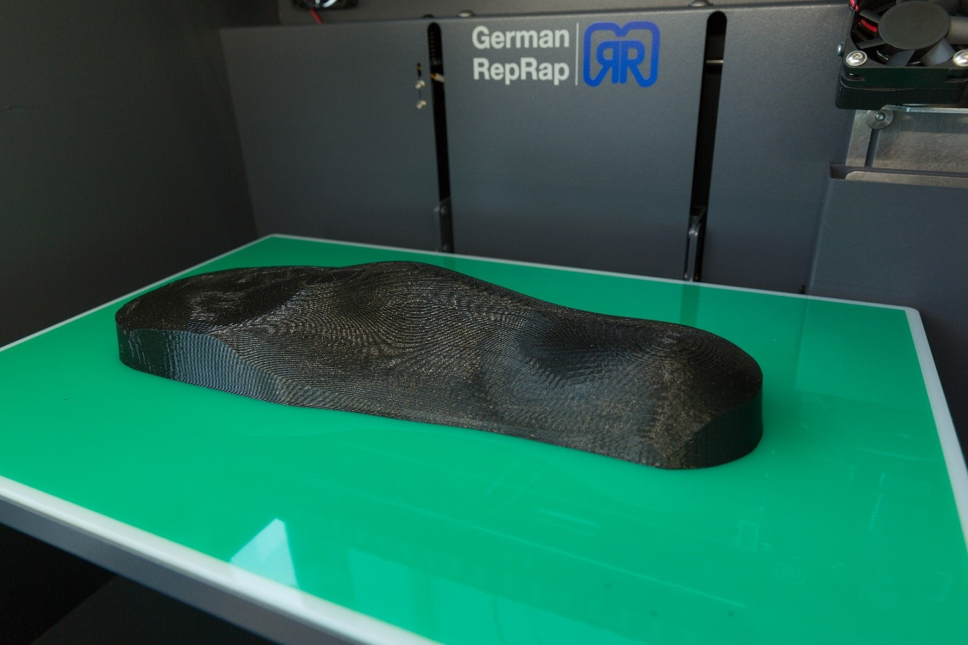 A positive mold of a foot. Image via German RepRap.
