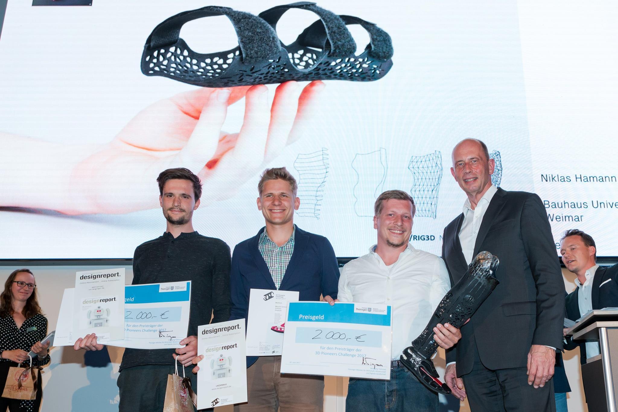 Winners of the MedTech category Mecuris and Niklas Haman. Photo via 3DPC.