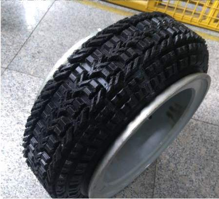 China's first 3D printed tire. Image via Linglong.