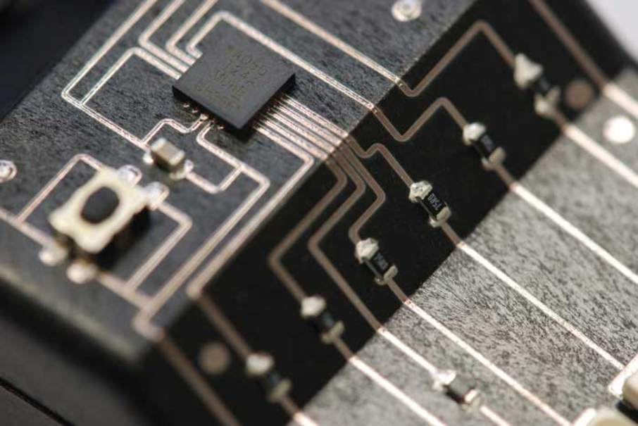 A circuit board created using 3D printing technology. Image via Neotech.