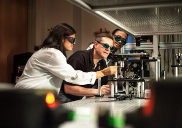 Stephen Kuebler in microfabrication at the Nanophotonic Materials Group at UCF. Photo via today.ucf.edu
