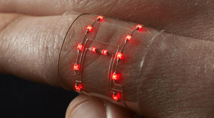 Still shining - 3D printed TPU and embedded LEDs aren't compromised by bending. Photo via the Wyss Institute for Biologically Inspired Engineering