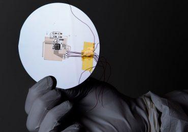 Draper's unique 3D aerosol jet printed microprocessor. Photo via Draper Laboratory