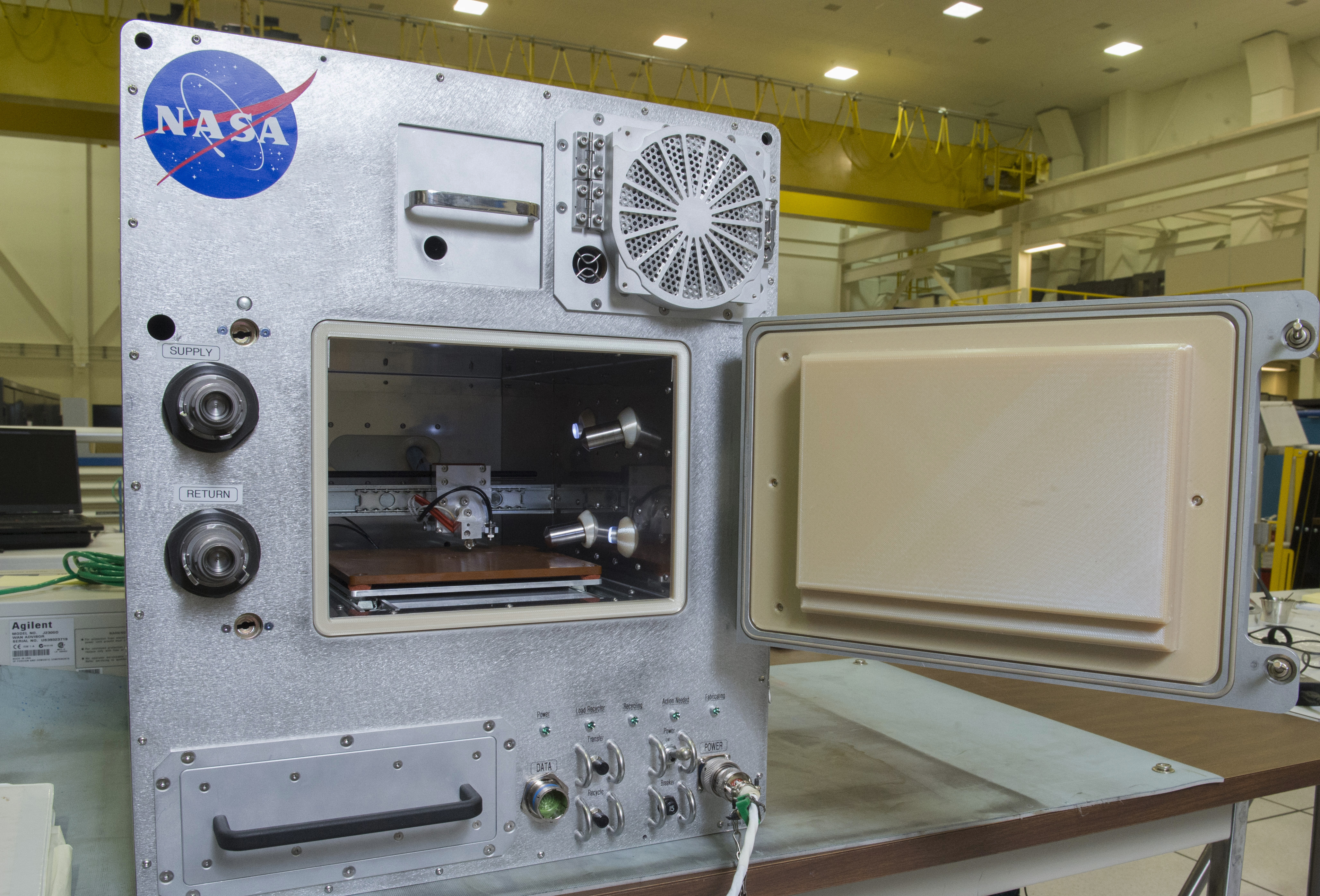 Nasas Refabricator Recycling 3d Printer Makes Space The Place For Circuit Board On Printed Blue Industrial Nasa And Tethers Unlimited Inc Recycler Due Launch