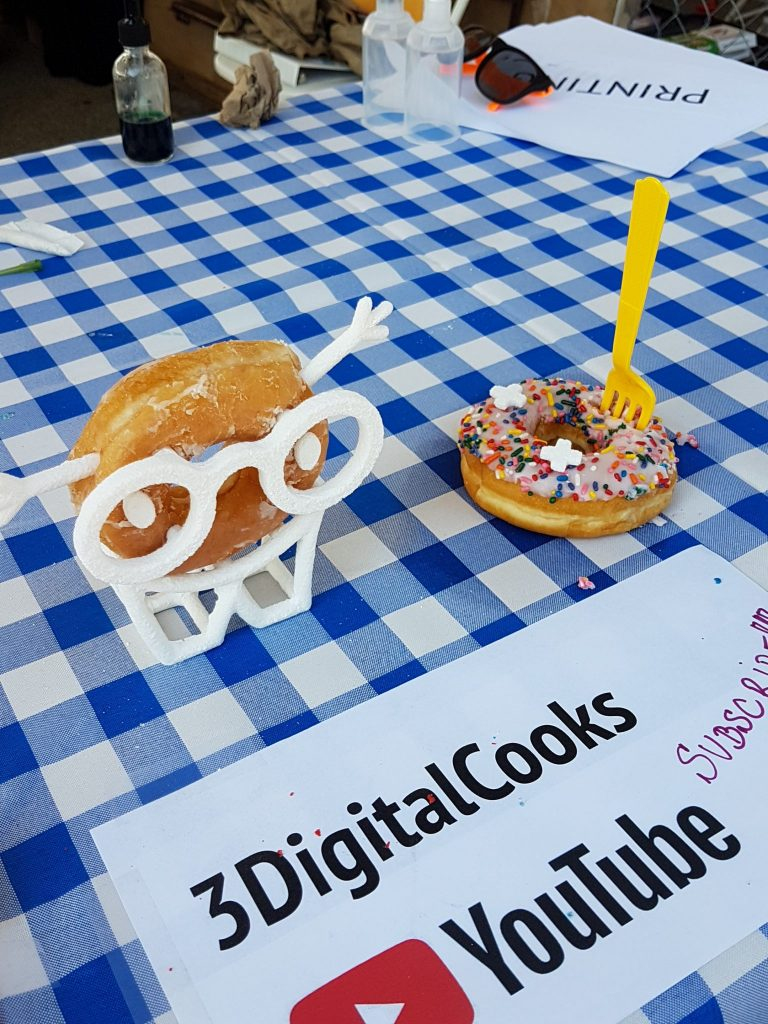 Luis Rodriguez Alcalde of 3DigitalCooks.com at NYC Maker Faire 2017.