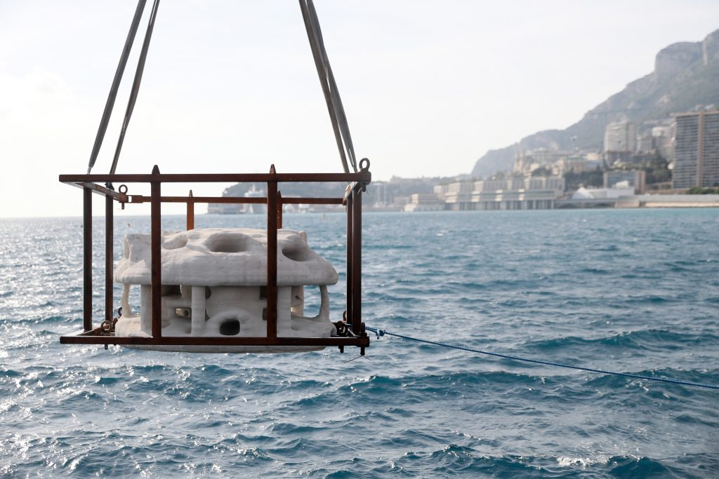 Installation of the 3D printed reefs. Photo via Boskalis.
