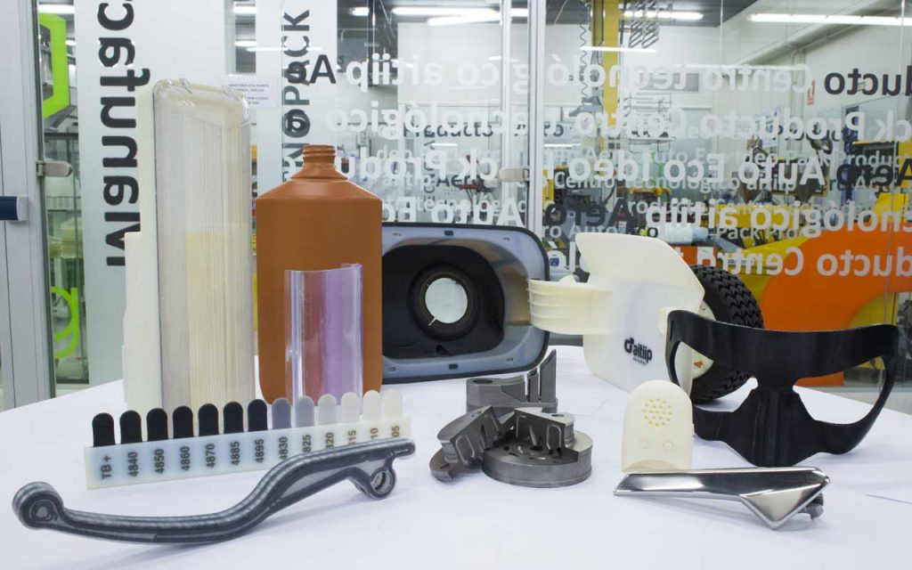 3D printing at AITIIP including the carbon fiber mask. Photo via AITIIP.