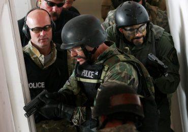 """SWAT team training """"hell"""" week in Utah. Photo by Andrew Van Wagenen/Daily Herald"""