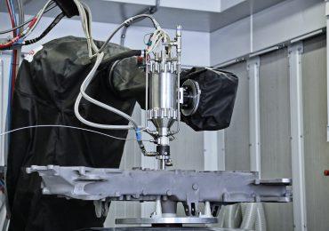 A cold spray apparatus and nozzle coating a component. Photo via Avio Aero.
