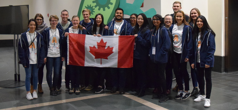 The University of Calgary's iGEM team. Photo via iGEM 2017