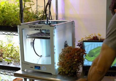 An Ultimaker 2+ 3D printer used by Farmshelf. Photo via Ultimaker