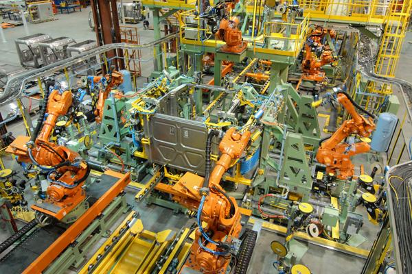 DTNA's Freightliner robotic cab assembly in Portland. Photo via DTNA.