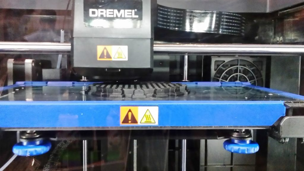 A view of the Dremel DigiLab 3D45 build chamber. Photo by Rushabh Haria.