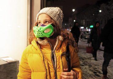 Child wearing a brifo mask. Photo via Sinterit.