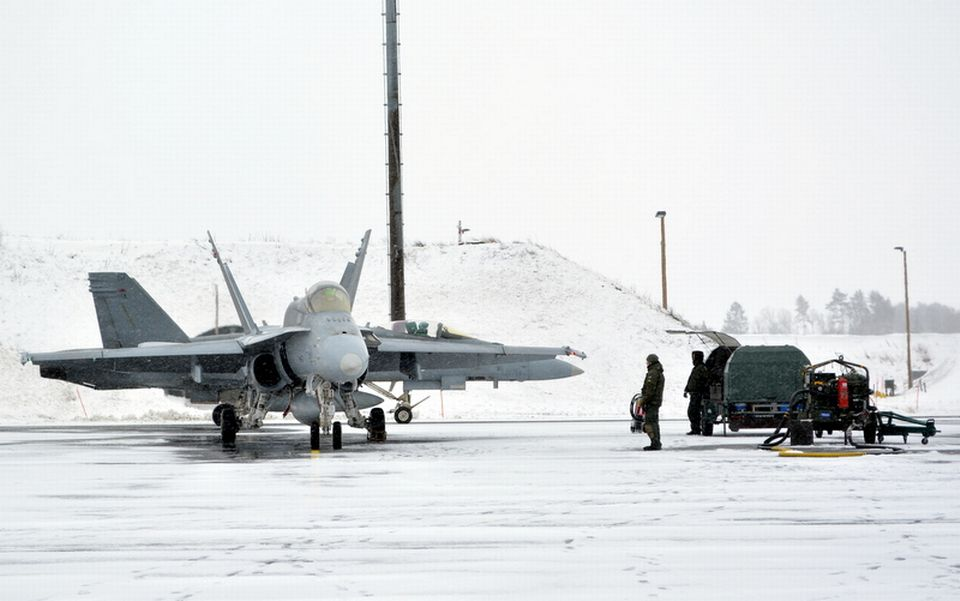 An F/A-18 Super Hornet fighter jet at base in Finland. Photo by Antti Karhunen / Yle