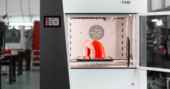 Inside the INDUSTRY F340 3D printer. Image via 3DGENCE