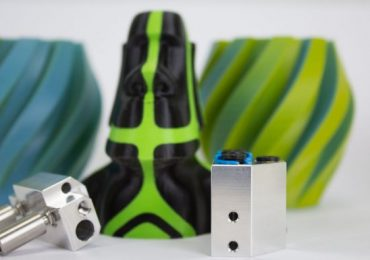 The Cyclops+ and Cyclops Aqua+ extruders with some multicolor designs. Photo via E3D-Online.