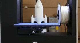 Rocket launch on a BEETHEFIRST 3D printer. Photo via BEEVERYCREATIVE