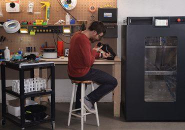 The AON-M2 3D printer in the workshop. Photo via AON3D