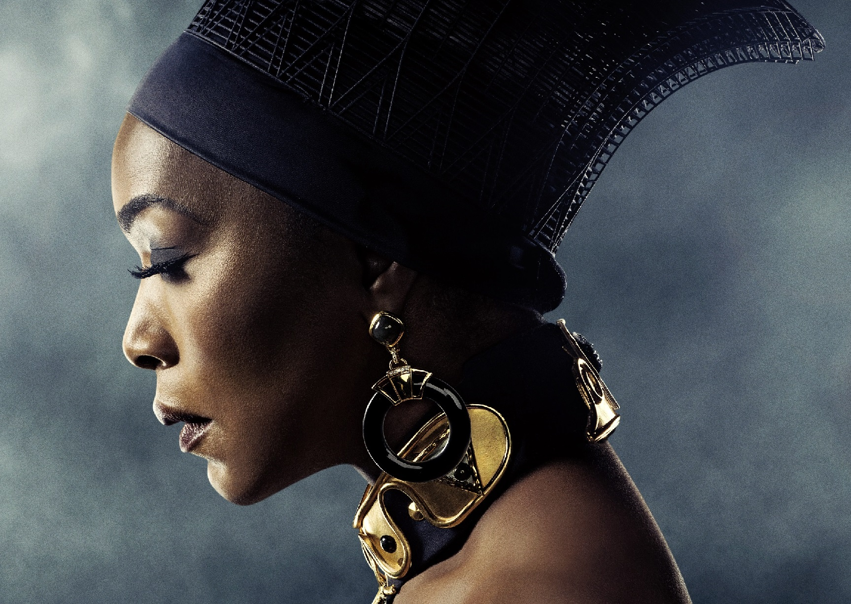 Angel Bassett wears a 3D printed crown in Black Panther. Photo via Materialise.