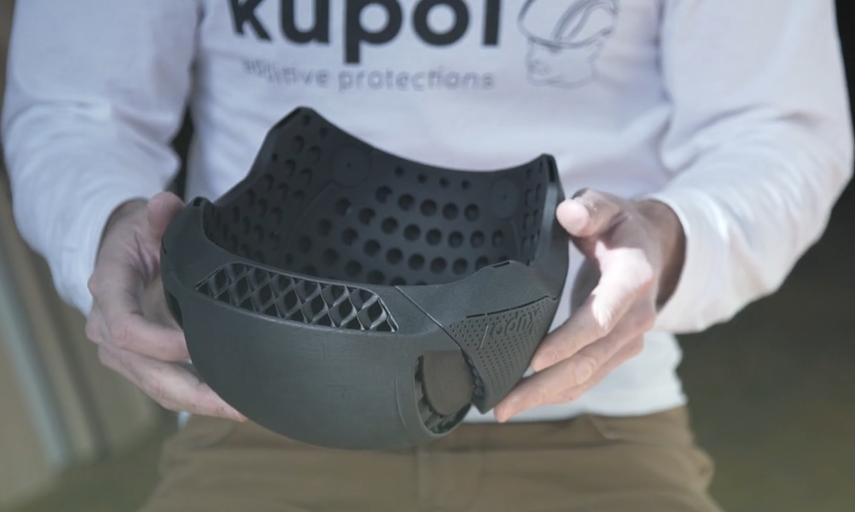 The Kupol bike helmet. Photo via Sculpteo.