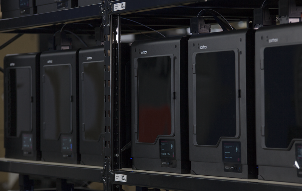 In Z-Suite 2, the M200 Plus can be wirelessly controlled as part of a 3D printer farm. Photo via Zortrax