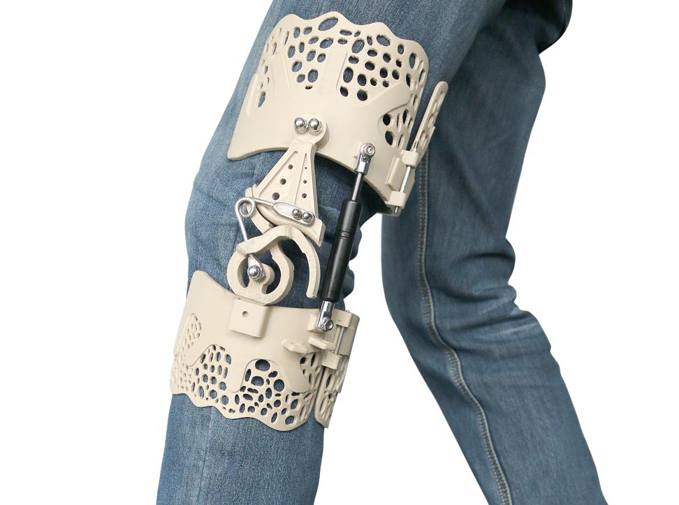 BioNEEK exoskeleton, 3D printed by INTAMSYS. Image via INTAMSYS.