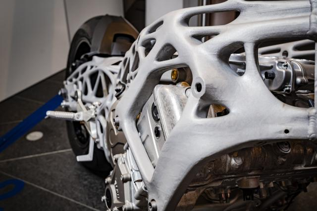 Detail of the BMW S1000RR 3D printed chassis. Photo via Visor Down
