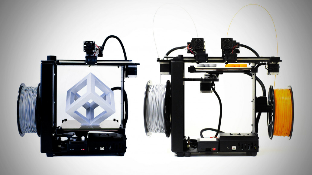 MakerGear's M3-SE (left) and M3-ID (right) 3D printers. Image via MakerGear