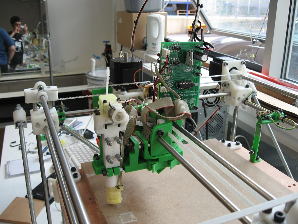 RepRap toolchanger 2007. Photo via Adrian Bowyer