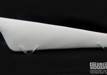 The SUTD 1.2m long turbine blade 3D printed out of cellulose and chitin. Photo via SUTD